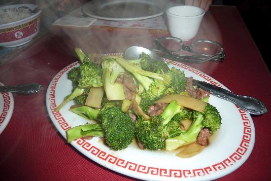 Lee's Chinese Restaurant: Beef Broccoli