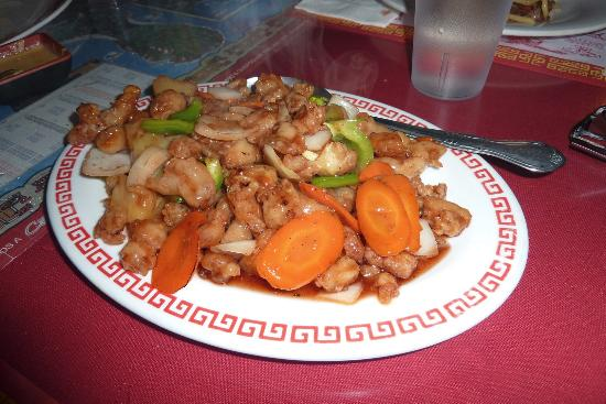 Lee's Chinese Restaurant: Sweet and Sour Chicken