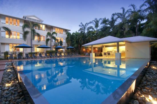 Cayman Villas: pool5