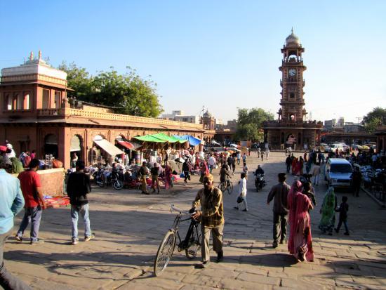 Ghanta Ghar: Sardar Market