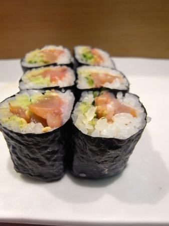 Tsukiji Sushisay Honten: ひもきゅう(アカガイヒモと胡瓜)