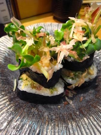 Tsukiji Sushisay Honten: 野菜巻(生野菜/生山葵千切り/漬け物)