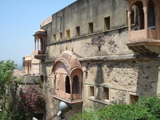 Neemrana Fort