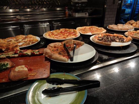 pizza picture of the buffet at ti las vegas tripadvisor rh tripadvisor com