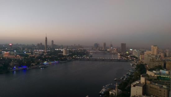 Four Seasons Hotel Cairo at Nile Plaza: Sunset view from the room on the 26th floor