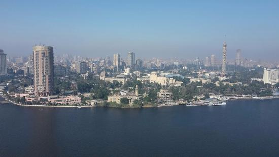 Four Seasons Hotel Cairo at Nile Plaza: Day View from the room on the 26th floor
