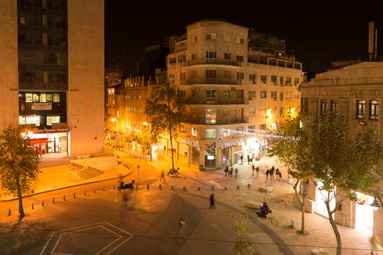 The Jerusalem Hostel: View from our roof top