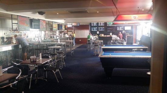 The Rocky Glen Hotel Motel Bistro: Public Bar, TAB, Keno, Pool Tables