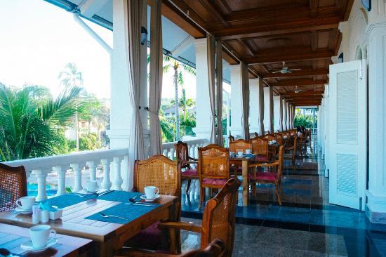 Chez Carole Center Resort & Spa: Dining Area