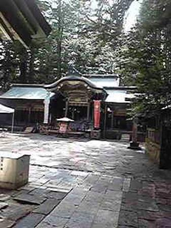 Suwa Shrine: 諏訪大社本宮