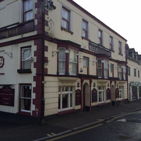Ivybridge, UK: The Exchange, big pub on main street