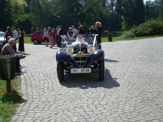 Velke Losiny, República Checa: Autko weselne :)