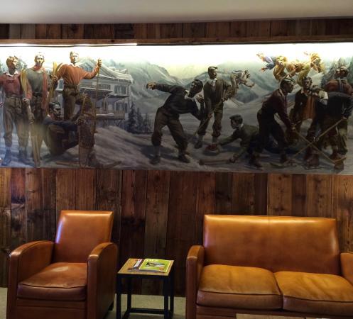 Sent, Svizzera: Bar im 1. OG., ein ruhiger Ort zum Lesen oder zum Gespräch