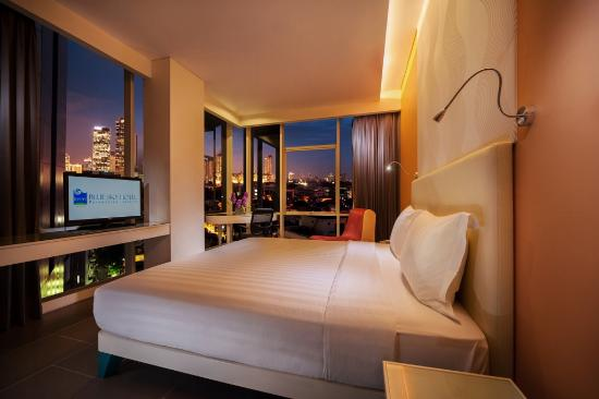 superior room picture of blue sky hotel petamburan jakarta rh tripadvisor com