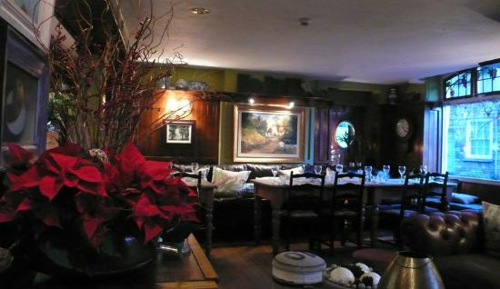 The Fountain Inn Gastro Pub : Ground floor dining