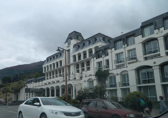 Rydges Lakeland Resort Hotel Queenstown: Front of hotel