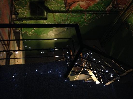 Itaca Hostel: la scala d'accesso alle stanze