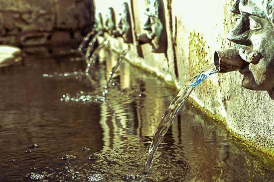 Fontana dei Mascheroni