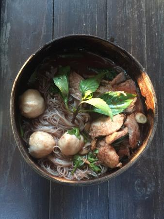 Ying-jaai Coconut Shell Noodle