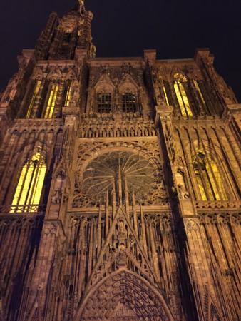 Catedral de Notre Dame de Estrasburgo: La Cathédrale de nuit