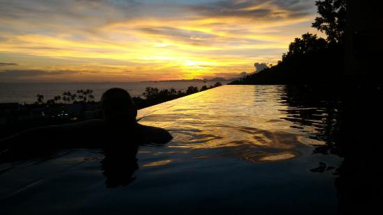 Aonang Cliff Beach Resort: Sunset from the new pool