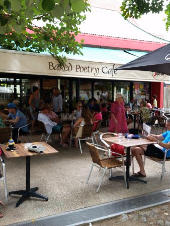 Baked Poetry Cafe: Cafe
