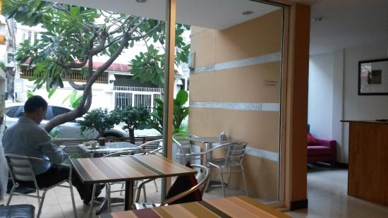 Urban House: Desayuno en la vidriera
