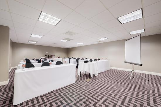 Commerce, Californien: Creative planning, enhanced by comfortable decor in meeting space
