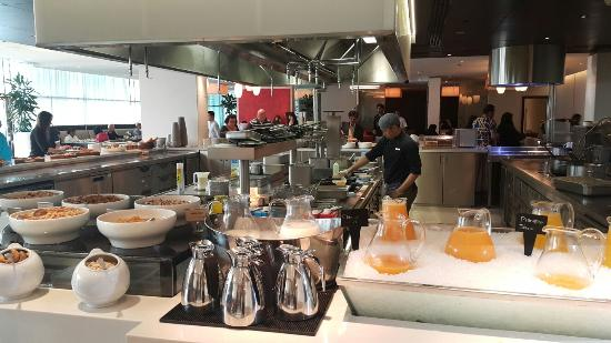Afbeeldingsresultaat voor hyatt place dubai al rigga breakfast