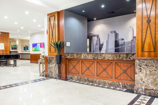 Empire Meadowlands Hotel by Clarion: Lobby
