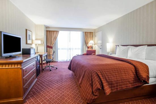 Empire Meadowlands Hotel by Clarion: Guest room