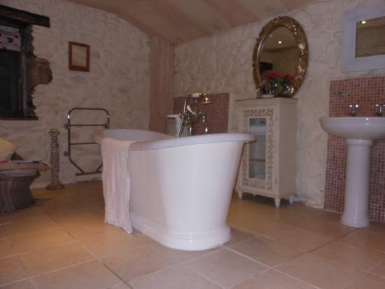 Perranuthnoe, UK: Bathroom (Pink Room)