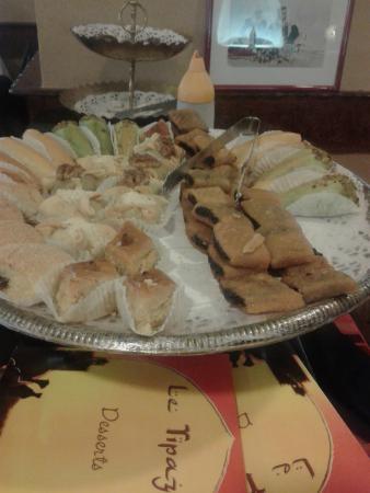 Le Tipaza: le plateau des petits desserts