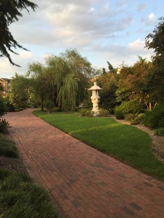 Pagoda & Oriental Garden: photo0.jpg