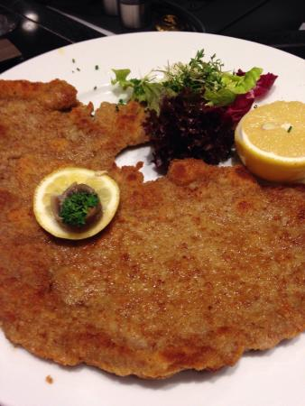 the best schnitzel in town picture of kadewe feinschmeckerbars berlin tripadvisor. Black Bedroom Furniture Sets. Home Design Ideas