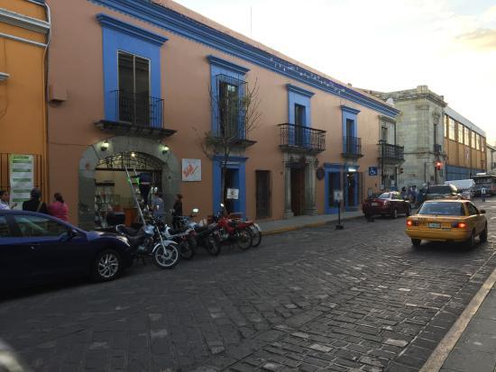 Casa de Siete Balcones: Street view