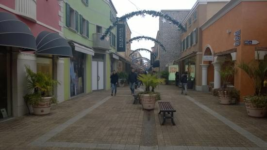 Awesome Outlet Palmanova Saldi Pictures - harrop.us - harrop.us