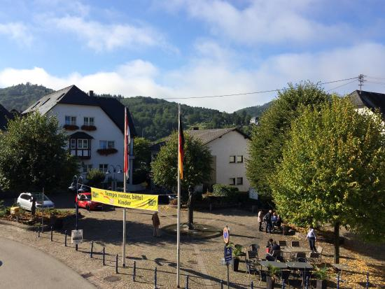 Bullay, Germania: View from our balcony