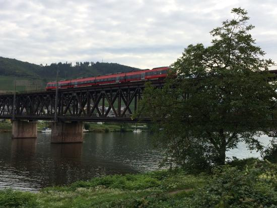 Bullay, Germania: Double-decker bridge over the Mosel