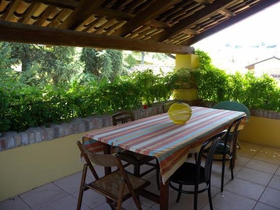 Moasca, İtalya: EAST apart. dining loggia