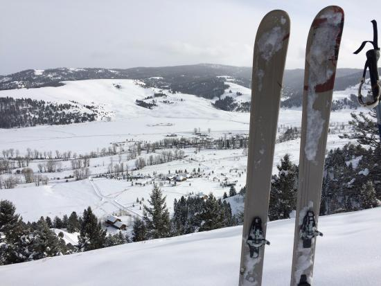Philipsburg, มอนแทนา: Skiing at the ranch & a bird's eye view of it
