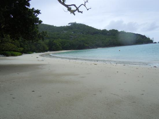 Port Glaud, Seychellene: Spiaggia di Port Launey