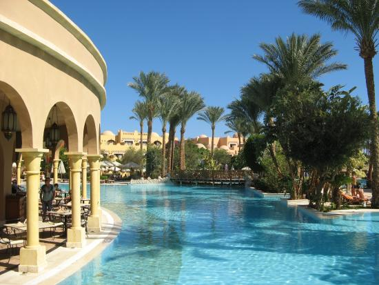 The Makadi Palace Hotel: piscine