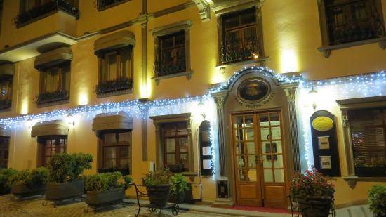 Celal Sultan Hotel: Extérieur de l'hôtel