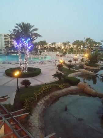SENTIDO Palm Royale Soma Bay: 20150810_184630_large.jpg