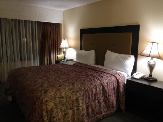 Jockey Club: Bedroom