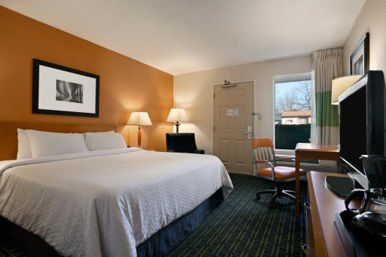 Days Inn Chattanooga/Hamilton Place: King Guest Room