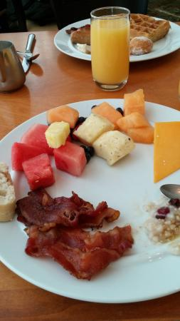 buffet breakfast at the cafe picture of the diplomat beach resort rh tripadvisor com