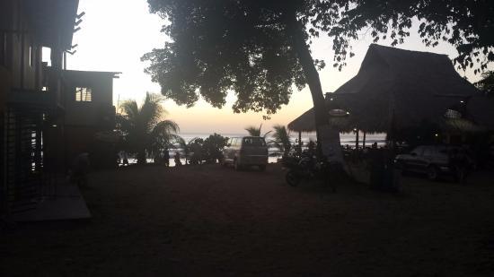 Playa Maderas, Nicaragua: Beach Playa Madera. 5-10 min walk down to beach
