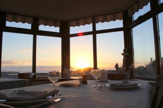 Clifden Bay Lodge: on the veranda